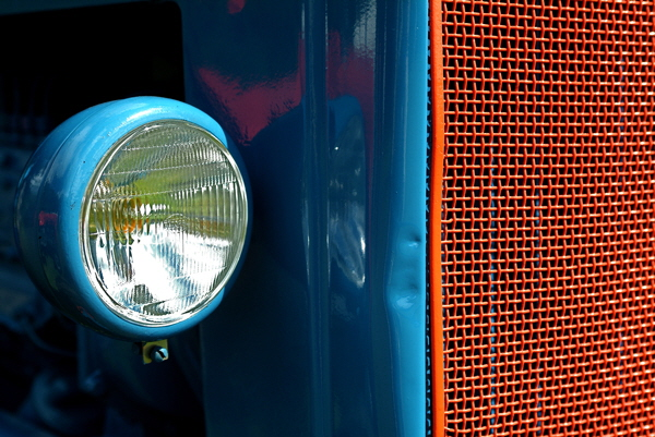 Red Grill Headlight